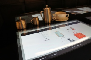 Barneys_NewYork_table